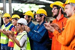 applaud-at-industrial-manufacturing-factory