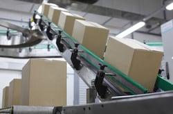cardboard-boxes-conveyor-belt